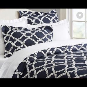 Pottery Barn Trellis Duvet Queen